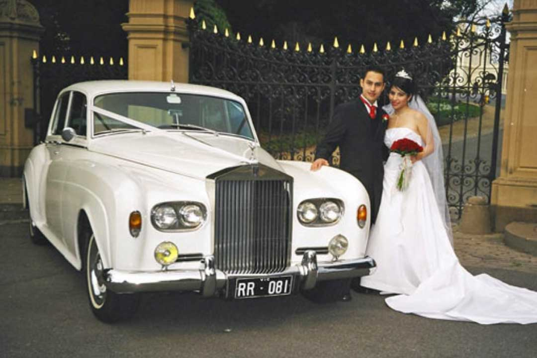 Classic And Prestige Car Hire Melbourne Wedding Bride
