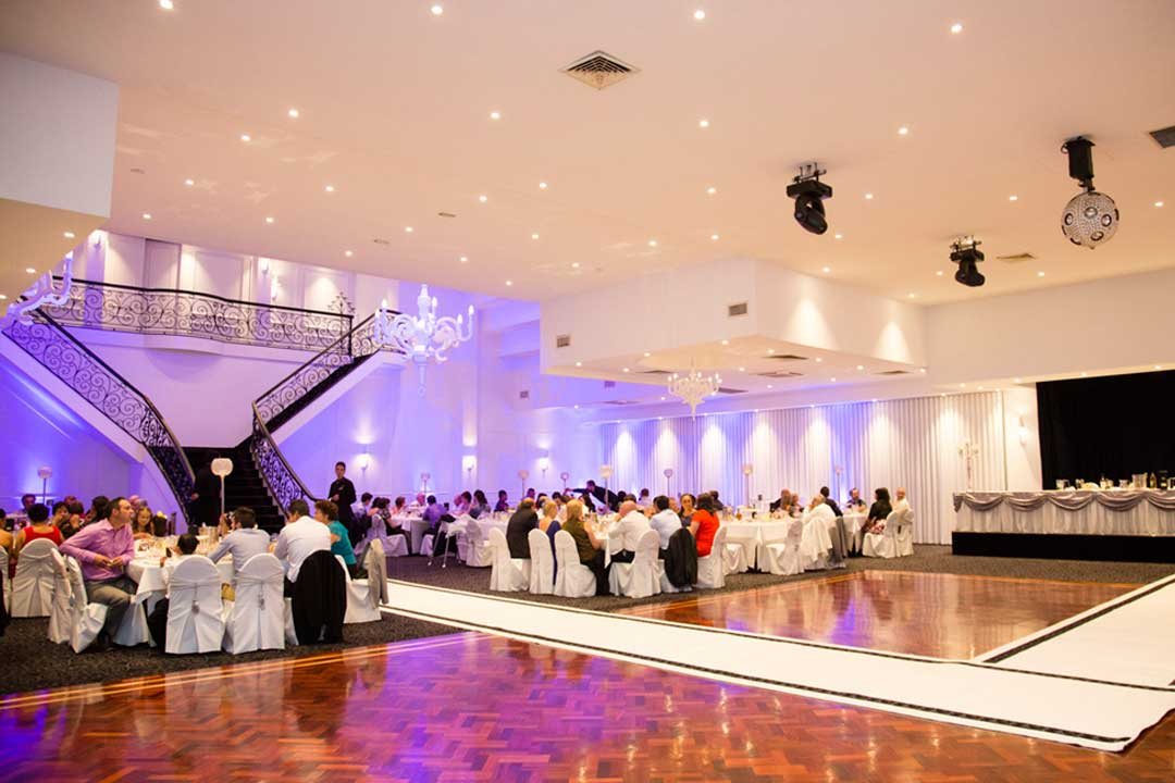 Lakeside Banquet And Convention Centre Melbourne Wedding Bride